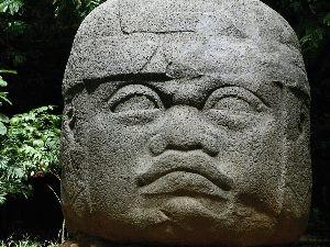 olmec_stone_head_parquemuseo_la_venta_villahermosa_tabasco_mexico